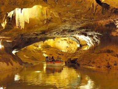 Подземная река в пещерах Святого Иосифа
