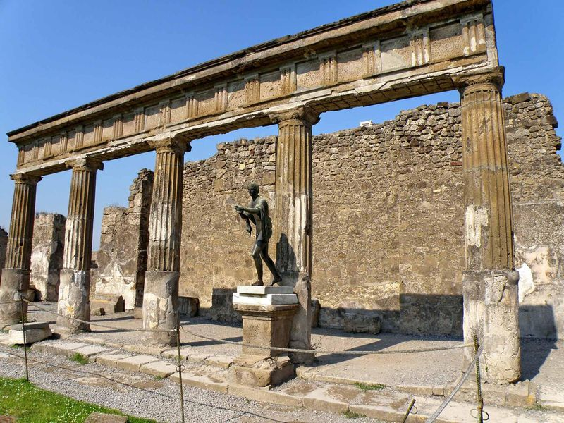 Помпеи — жизнь мертвого города