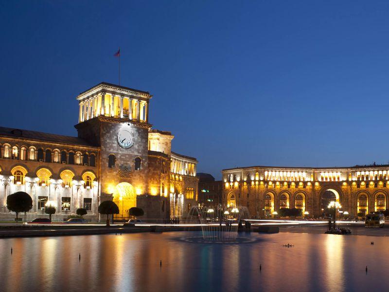 Кто правит бал в Армении? Правительственные объекты Еревана