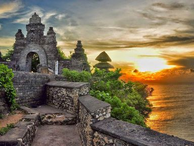 Храм Улувату и пляж Паданг-Паданг — красоты южного Бали