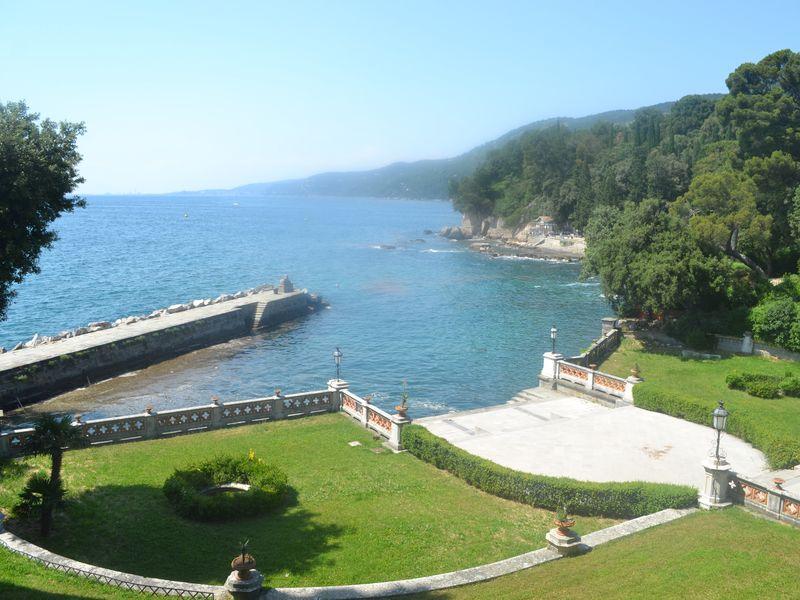 Мирамаре. Обозревая море