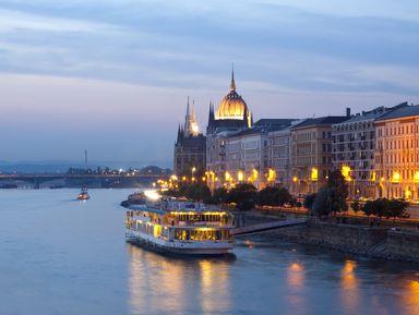 Групповая прогулка по Дунаю с ужином и живой музыкой