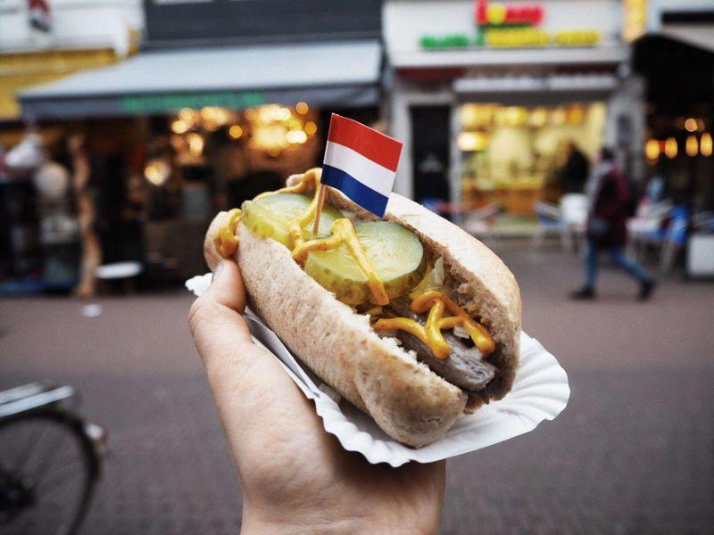 Онлайн-прогулка по небанальному Амстердаму в реальном времени