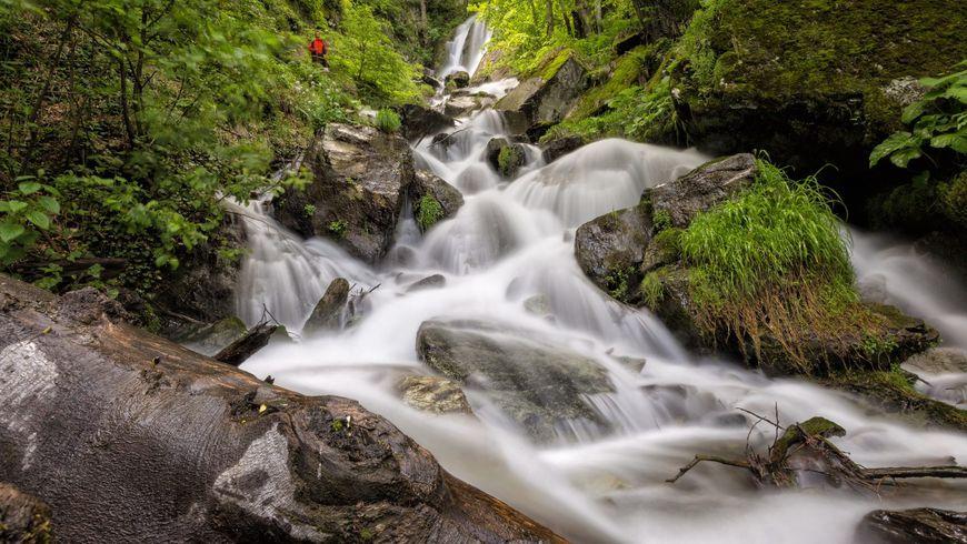 Треккинг к водопаду Кейву