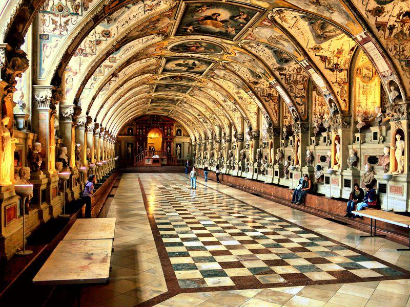 Мюнхен— город-резиденция династии Виттельсбахов