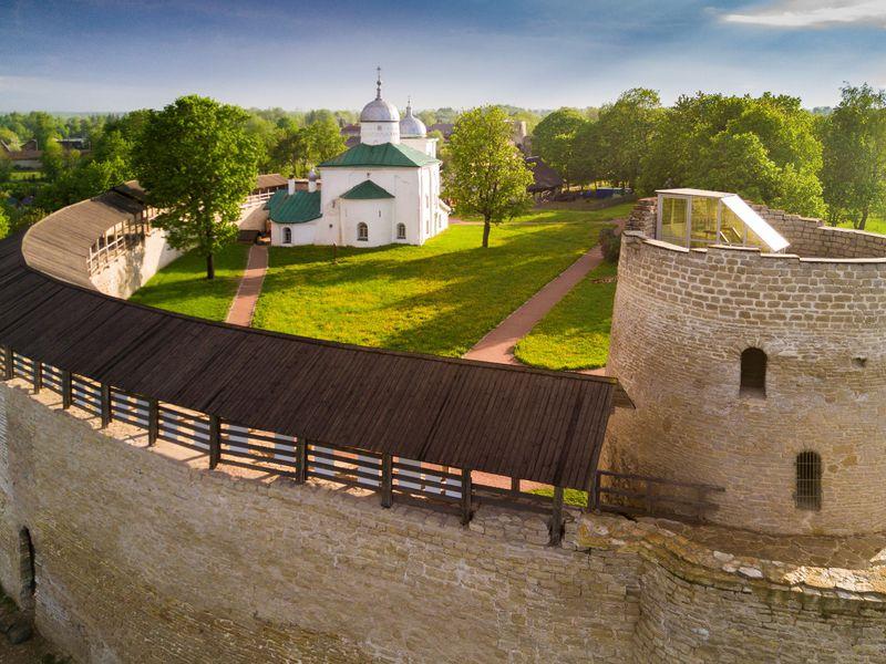 Древний Изборск