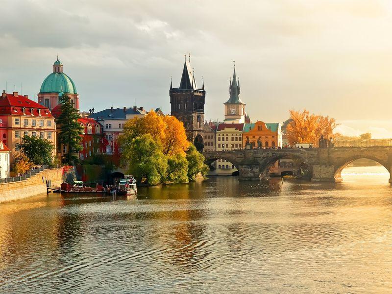 Прага: блеск Градчан инищета Малой Страны