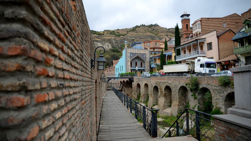 Тбилиси: прогулка поводе, земле ивоздуху