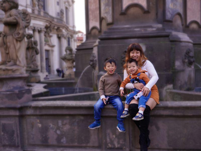 Вся семья вкадре: фотосессия вПраге