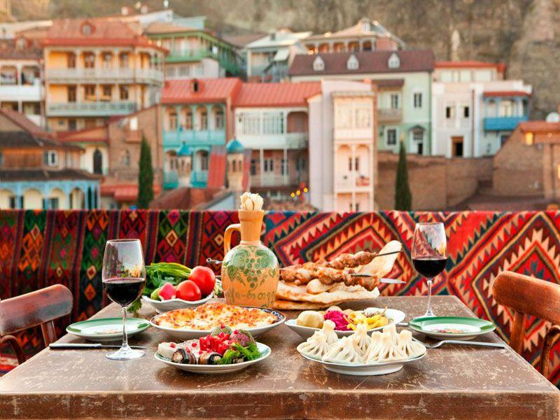 Тбилиси— улочки, вино ихачапури width=