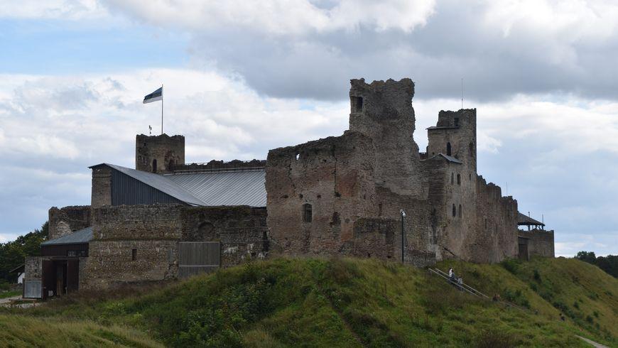 Путешествие в замок Раквере