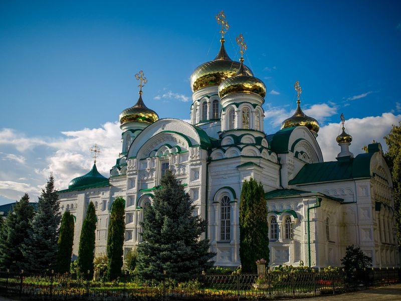 Культовые места Казани: Вселенский храм, Раифа и Свияжск