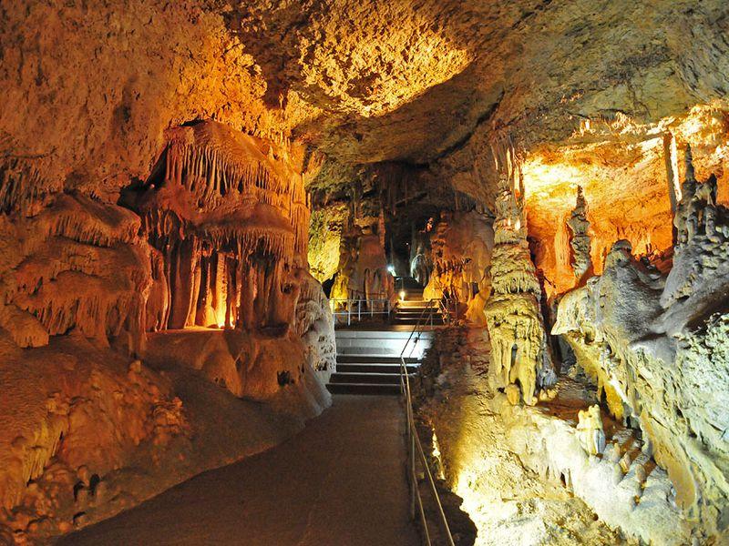Ктаинственным пещерам Чатыр-Дага width=