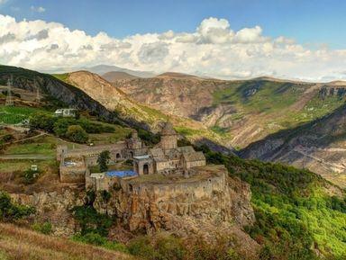 Традиции средневековой Армении в монастыре Татев