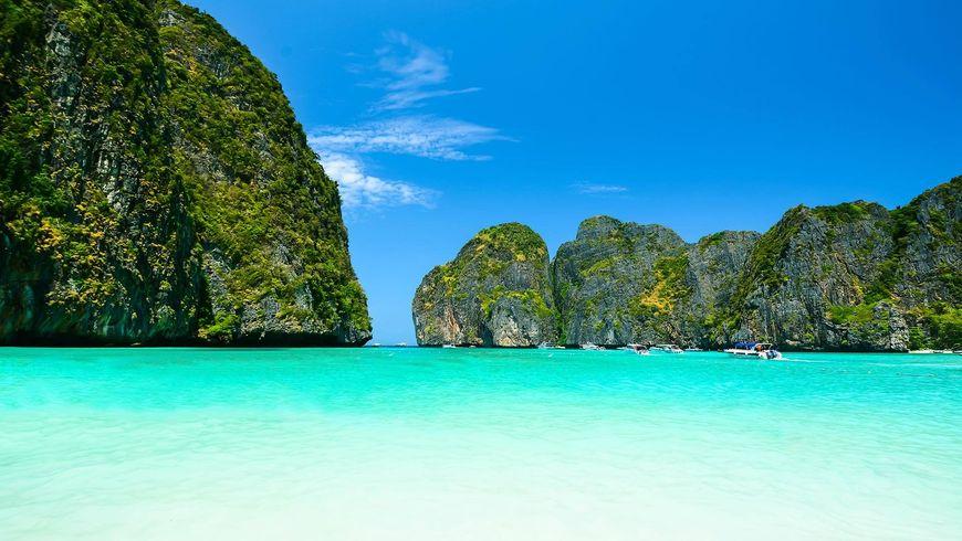 Яркие острова Пхи-Пхи на кораблике