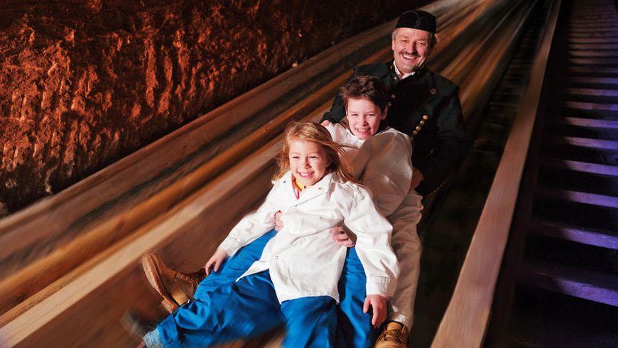 Соляные пещеры Зальцбурга: приключение для всей семьи