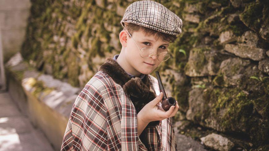 Костюмированная фотопрогулка «Приключения Шерлока Холмса идоктора Ватсона»