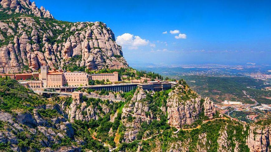 Духовный символ Каталонии— монастырь Монтсеррат