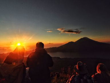 Незабываемый рассвет навулкане Батур