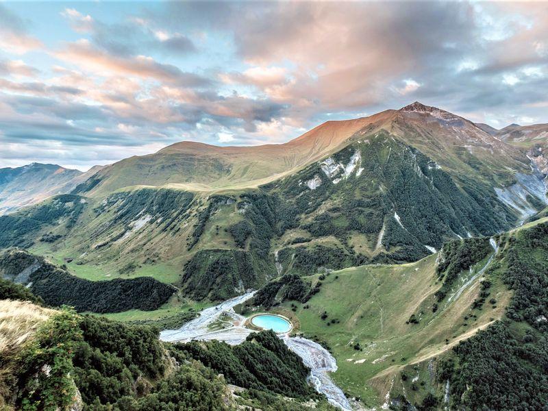 Казбек: путешествие в сердце Кавказских гор width=