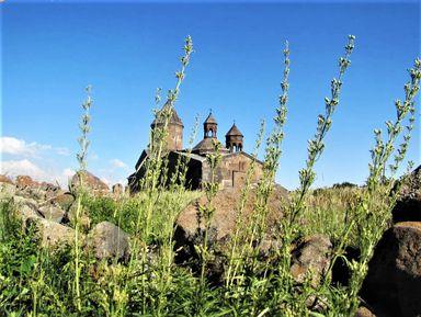 Архитектура и великие святыни средневековых монастырей